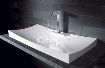 robinet design qui coule
