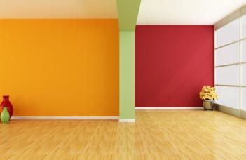 pièce au murs colorés