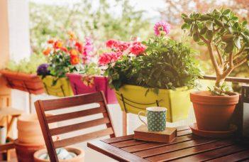 balcon table en bois